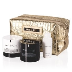 Un ensemble de crèmes Ultimate Day Protection & Intense Night Recovery